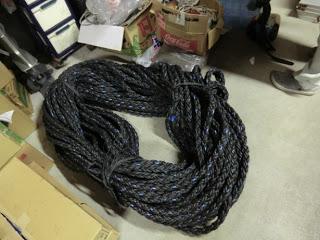 これがワカメの種を刺すロープ。