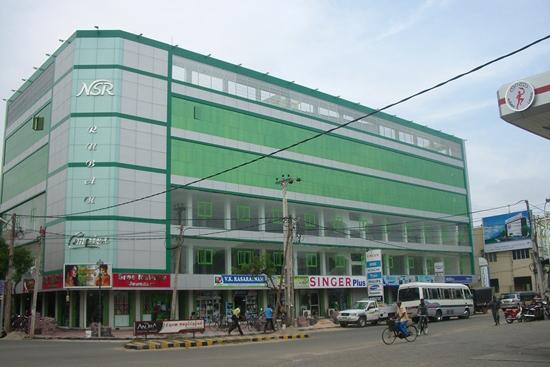 長年建設が止まっていたジャフナの商業ビル
