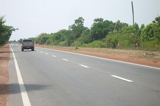 昨年改修工事が完了したスリランカ北部の主要幹線道路A9