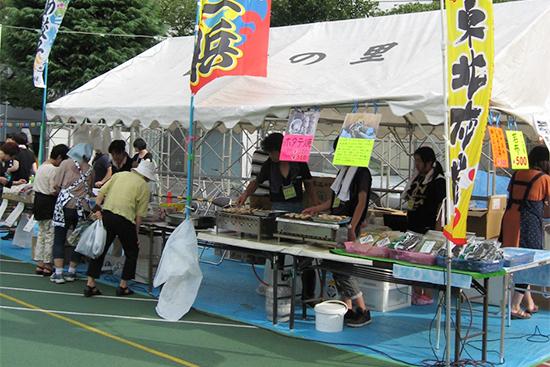 「高南夏祭り」東北復興支援コーナーの北上町十三浜販売テント