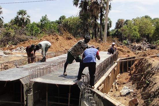 工事中だった頃のコクライ村の道路