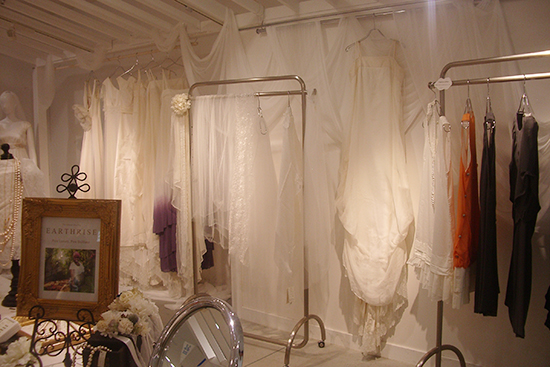 「NADEL(ナデル)」のオーガニックコットンのウェディングドレス