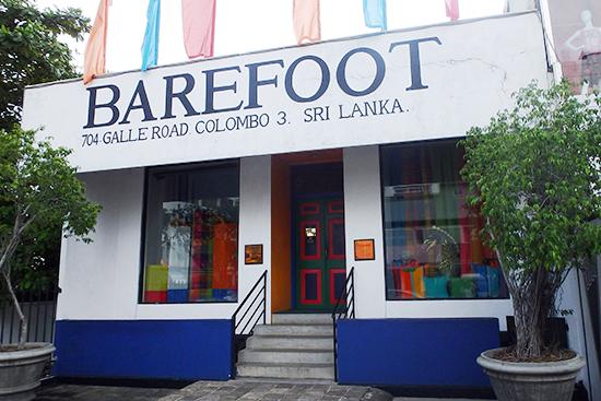 コロンボのお土産屋さんの定番「Barefoot」