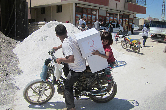 バイクを利用して家に持ち帰る世帯