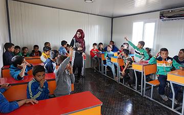 ベカー県でのシリア難民への教育支援事業