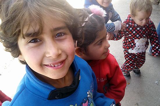 アブダルさんの娘アスラーちゃん、7歳
