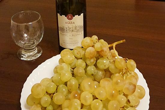 とても甘くて美味しいレバノンの葡萄。1kg 200~300円。