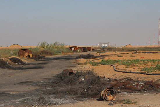 被害を受けた緩衝地帯の農地