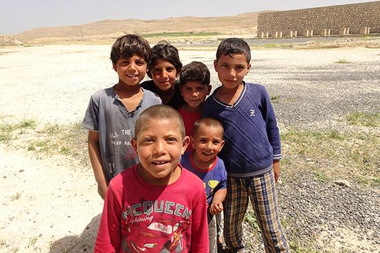 長い間同じ地域で活動していたので、子どもたちに顔を覚えられ、訪問するとすぐみんなが集まってくれた。