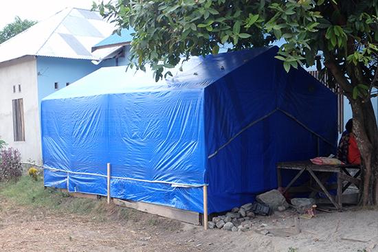 現在多くの村人が住む簡易的な仮設住宅。