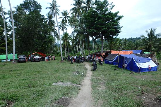 バトゥスヤ村の避難民キャンプ
