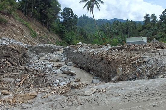 サルア村にある川の様子。土砂でほとんど埋まってしまっています