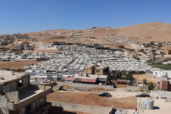レバノン:アルサールのシリア難民キャンプで、新たな食糧支援事業を開始しました! 第1回食糧配布の映像も公開!