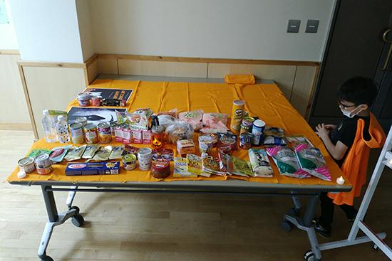 参加者の皆さんが持ち寄った食品は35.043kg、募金額は3,500円だったそうです!後日、世田谷区社会福祉協議会へ寄付されました。